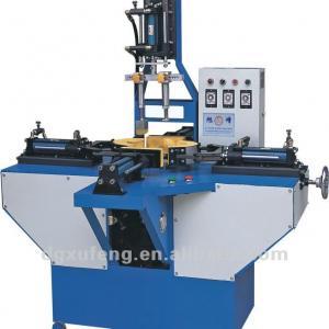 Crossing sole pressing machine, hydraulic shoe sole pressing attaching machine