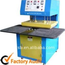 semi-automatic essay grader Grade/cpn: semi-automatic support for teaching petri nets by checking many petri nets against one speci cation in this paper, we present grade/cpn.