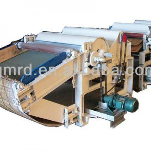 Two-roller textile waste tearing and recycling machine